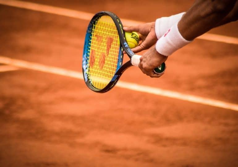 Czym kierować się przy wyborze rakiety tenisowej?
