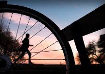 Bieganie i jazda na rowerze w dobie koronawirusa. Czy maseczka jest konieczna?