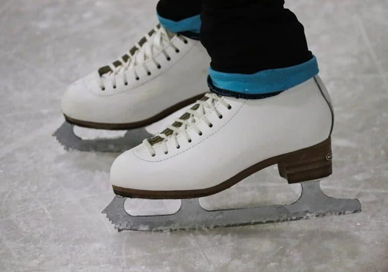 Sezon na łyżwy czas zacząć. Kolejne lodowiska wznawiają działalność!