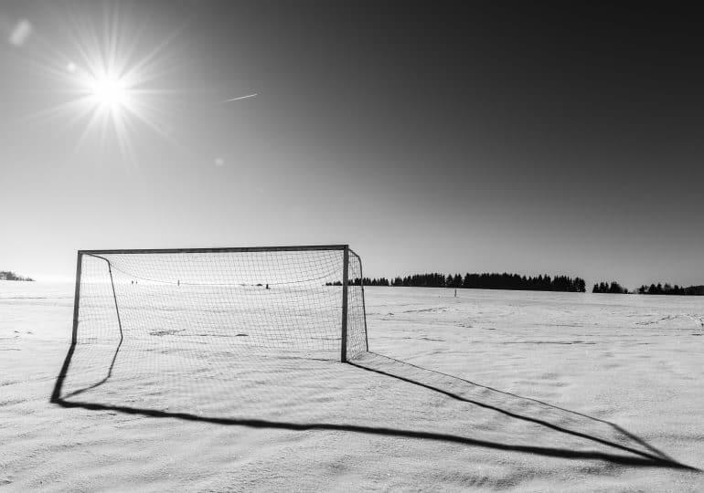 Nowy Rok bez tradycyjnych meczów piłkarskich w Trójmieście. Pozostało tylko morsowanie