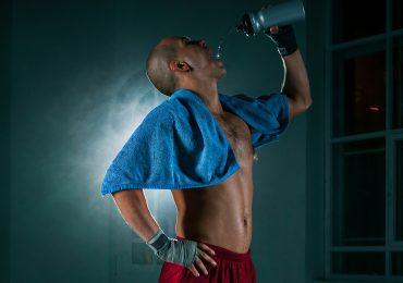 Zbijanie wagi przed walką - jak to robią najlepsi wojownicy?