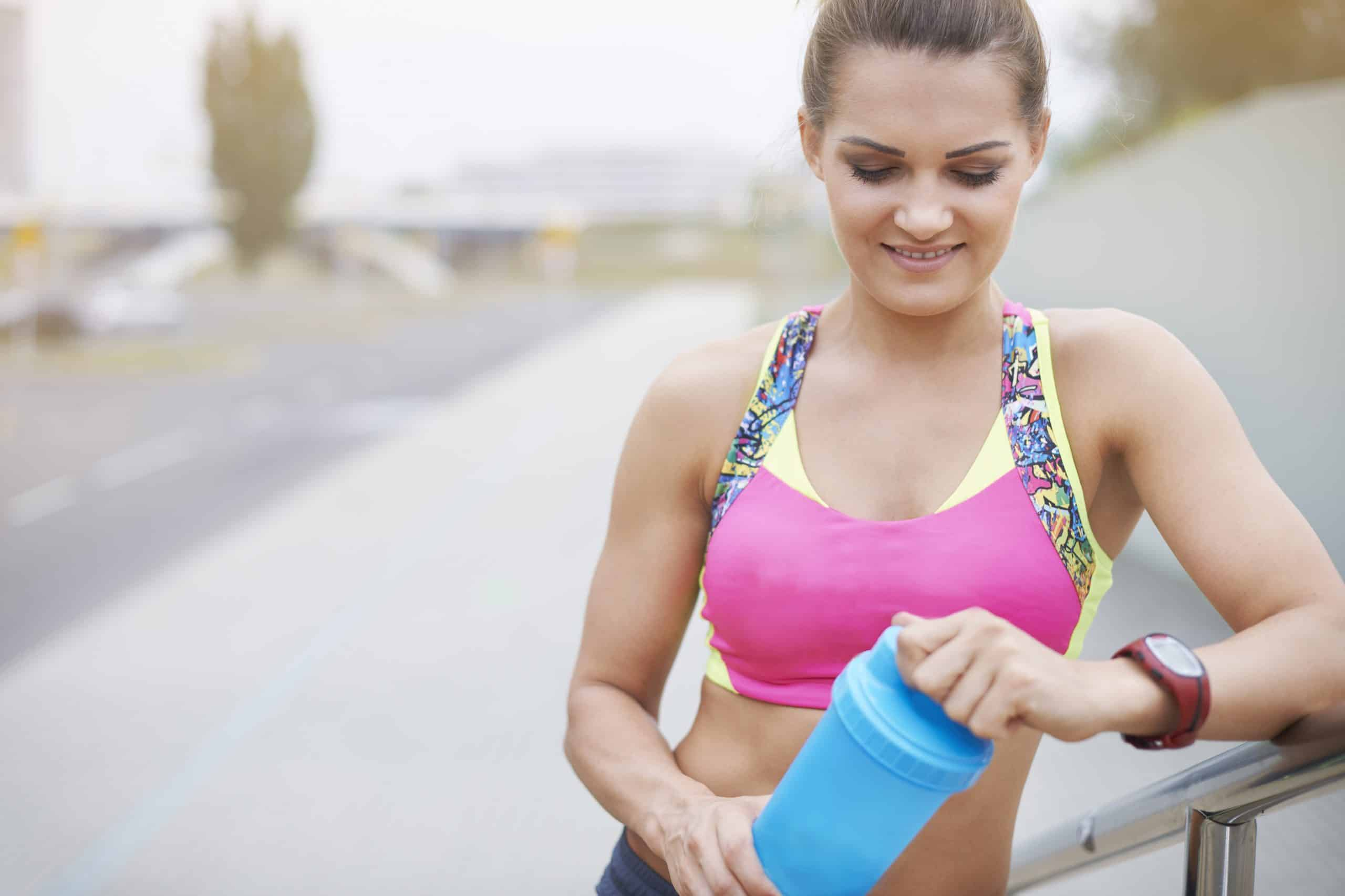 Trenuj mocniej, biegaj szybciej! Jakie suplementy powinni przyjmować biegacze?