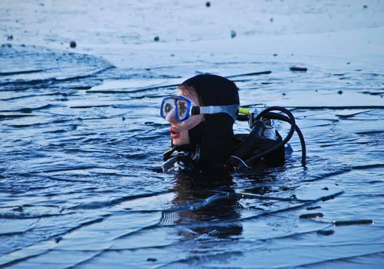 Nurkowanie pod lodem - czy to jest bezpieczne?
