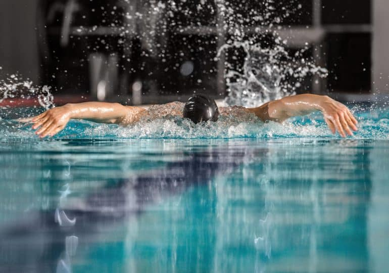 Najpopularniejsze style pływackie - jak pływać dobrze technicznie?