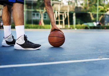 Wybór profesjonalnego obuwia koszykarskiego – które parametry mają największe znaczenie?