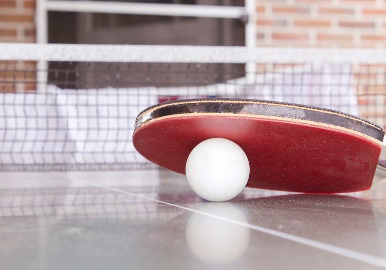 Wyposażenie i akcesoria potrzebne do gry w tenisa stołowego