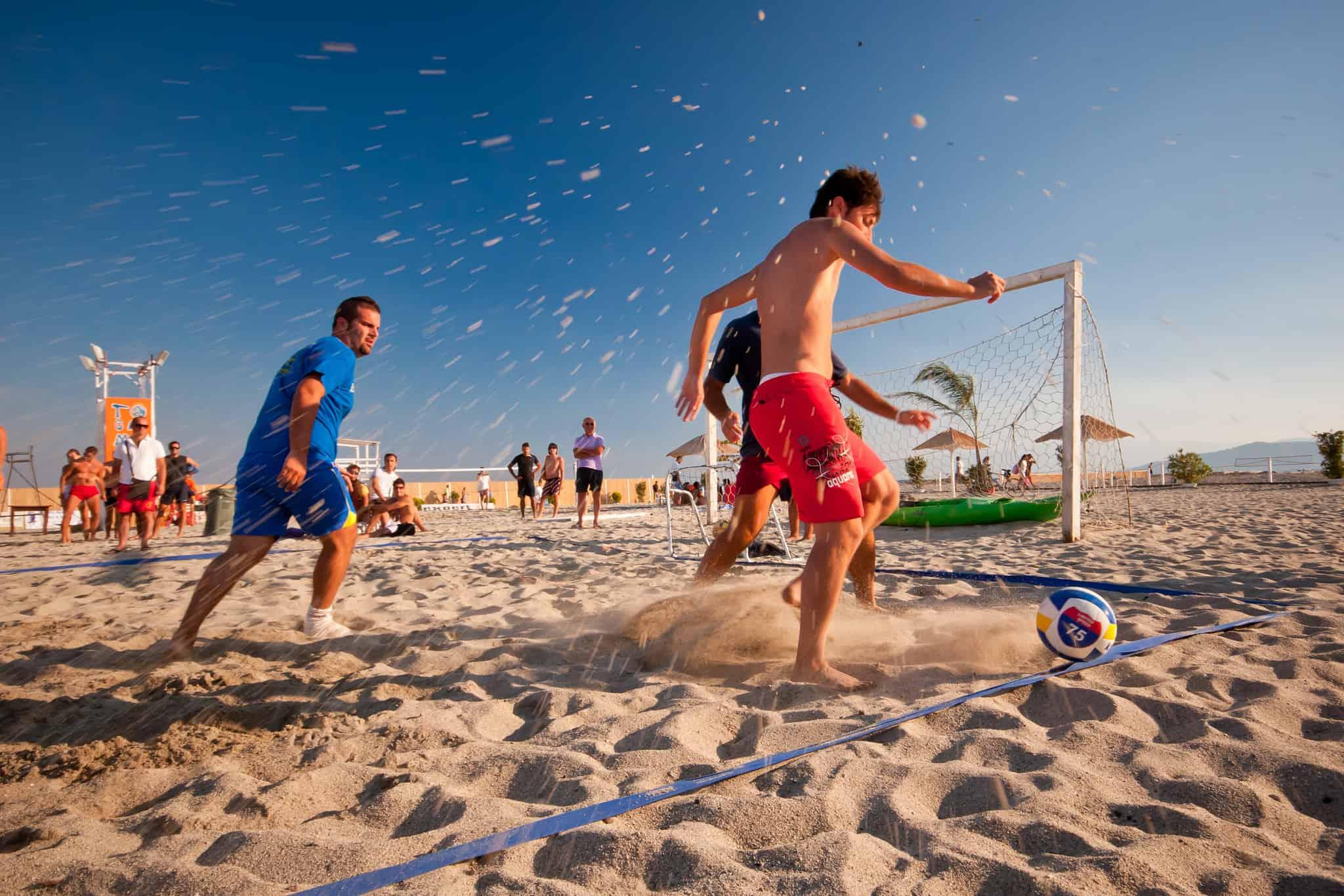 Beach soccer – wszystko, co musisz wiedzieć o plażowej odmianie piłki nożnej