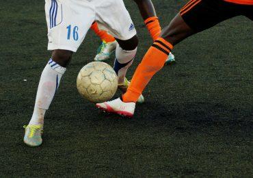 5 najlepszych trików piłkarskich - dzięki tym sztuczkom miniesz każdego rywala!